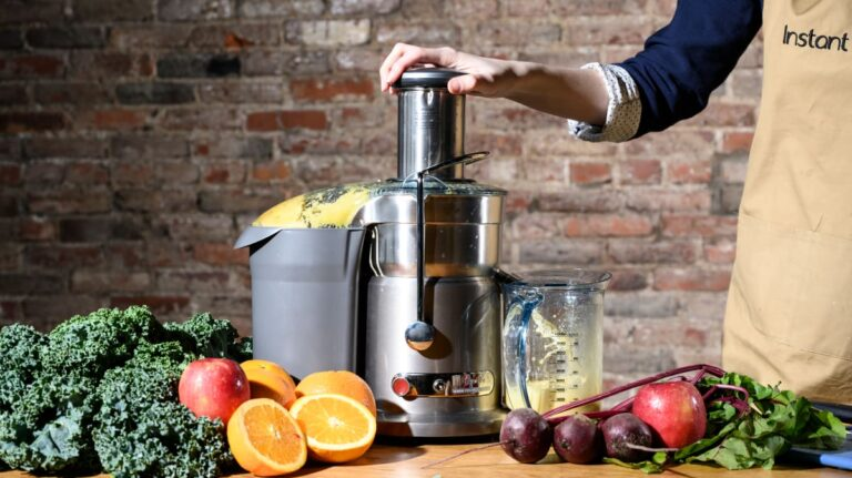 Best Juicer For The Money In UK [Reviews 2021]