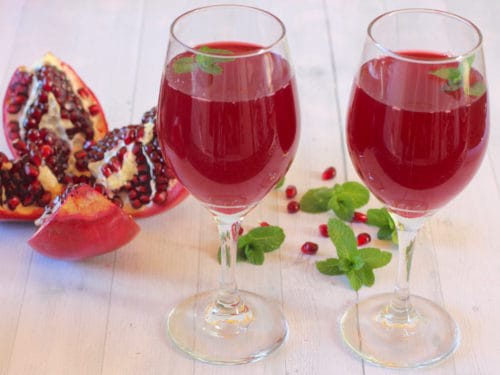 How To Juice Pomegranate In An Electric Juicer?